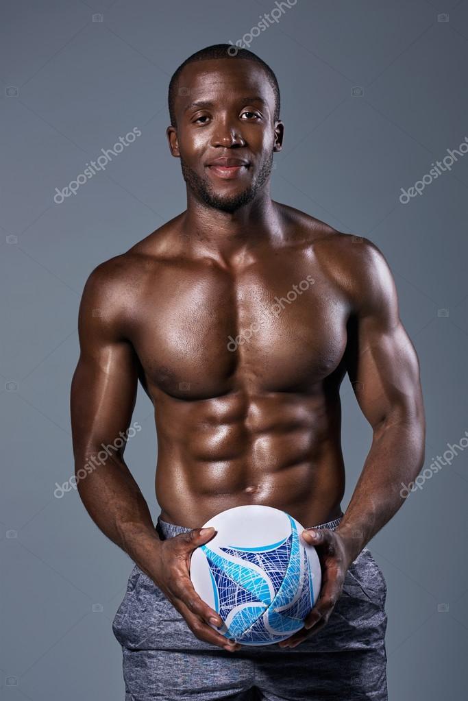 Macias Musculoso Negro E Corpo Rost De