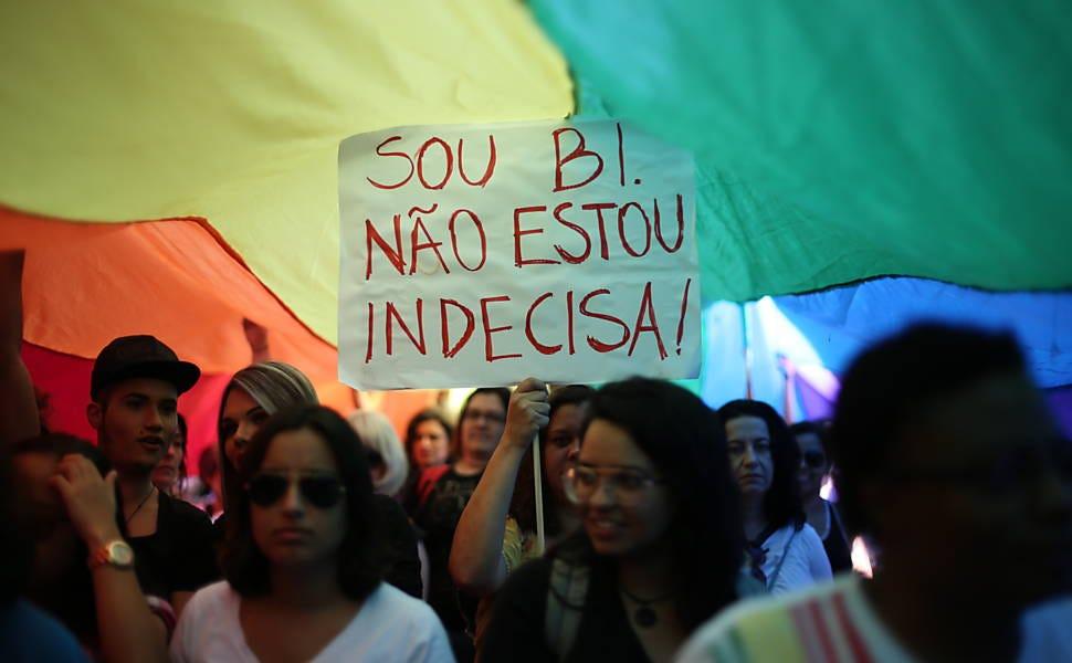 Participa E Não Sabe Bissexual Não Com Mulher Ela Homem Casado
